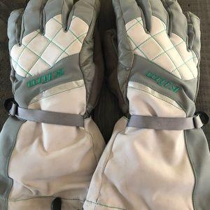 Klim women's large snowmobile gloves.